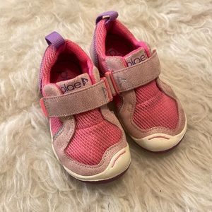 Girls pink PLAE shoes Velcro pink toddler shoes